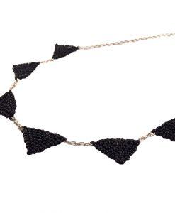 collier-trigo-fantaisie-bijoux-fait-main-la-touche-finale-noir