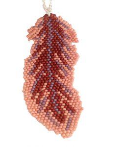 collier-sautoir-fantaisie-bijoux-plume-fait-main-la-touche-finale-marron