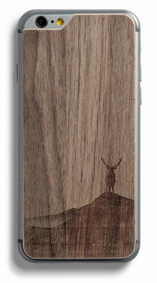 Une coque de téléphone en bois (modèle : Wood Stuck - 24€)